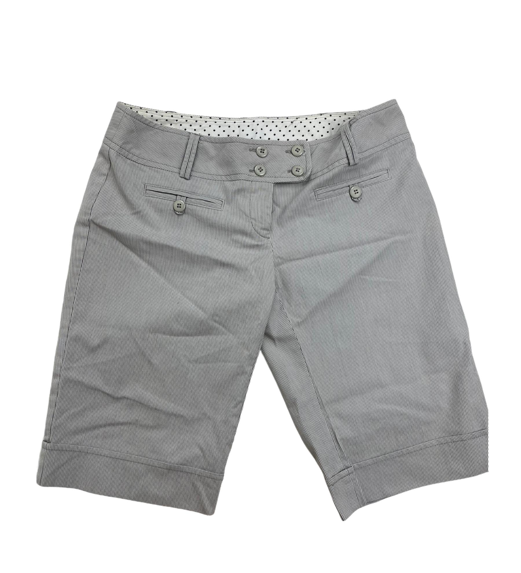 Pantalon Mujer A La Rodilla Color Gris Con Ranuras Blancas Wet Seal Dto Store